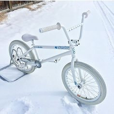This is sosexyy Gt Bmx, Bmx Street, Bicycle Safety, Bmx Bicycle, Sunday Funday Bmx, Tricycle Motorcycle, Bmx Mountain Bike, Vintage Bmx Bikes, Bicycle Painting