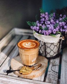 Coffee & pretty flowers #coffeelovers