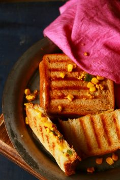 grilled paneer cheese sandwich - tasty, easy, healthy and filling sandwich recipe with paneer #paneer #sandwich #vegetarian #bread #indian