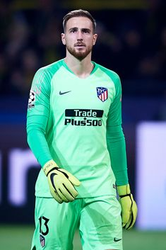 Club Atletico de Madrid at Signal Iduna Park on October 2018 in Dortmund, Germany 😷 Buffon Goalkeeper, Real Madrid Atletico, Signal Iduna, Sports Jersey Design, Sports Celebrities, Sports Images, Football Wallpaper, Uefa Champions League, Best Player