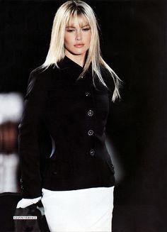 Gianni Versace - Autumn Winter 1995 1996 - Milan Fashion Week. Supermodel: Valeria Mazza