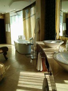 En suite bathroom in penthouse suite, Michaelangelo Hotel, Sandton. Michelangelo Hotel, Penthouse Suite, Essentials, Space, Bathroom, Luxury, Wedding, Home, Floor Space
