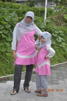 Ela Hayati & Ghaida, Cipanas, Cianjur, Jawa Barat.  Momen Terindah Bersama Buah Hati. #BuahHati #MuslimInspiratif #LittleMutif #MuslimKid #AnakMuslim #Bunda #Ibu #Ummi #Mama #BusanaMuslim #FashionMuslim #MutifCorp #Mutif www.mutif.co - www.mutif.id