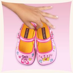 e83c03fcac08 Hot Chocolate Design Chocolaticas Kids Girls  Mary Jane Synthetic Fabric  Casual
