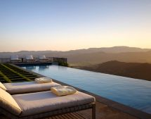 Infinity pool with mountain views (Dream Pools)