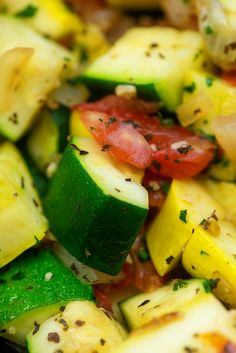 Sauteed Zucchini and Squash - this low carb side dish just tastes like summer and it's ready in about 15 minutes too! Low Carb Side Dishes, Healthy Side Dishes, Vegetable Side Dishes, Side Dishes Easy, Sauteed Zucchini And Squash, Zucchini Tomato, Asparagus Salad, Asparagus Recipe, Baked Asparagus