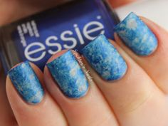 paznokcie, czyli niebiesko-biały saran wrap