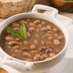 The Pinto bean is the Hillbilly-est of all Hillbilly foods. My granny used to crumble up a cut of cornbread and mix it up in a bowl of pinto beans with an on. Best Low Carb Recipes, Best Vegetarian Recipes, New Recipes, Soup Recipes, Favorite Recipes, Recipies, Healthy Recipes, Real Mexican Food, Mexican Food Recipes