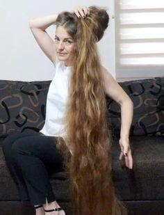 Long Hair Play, Very Long Hair, Bun Hairstyles For Long Hair, Indian Hairstyles, Long Indian Hair, Long Hair Models, Playing With Hair, Hair Shows, Great Hair