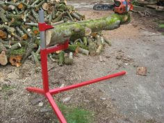 Cantilever log holder - one for the chainsaw fetishists « Singletrack Forum