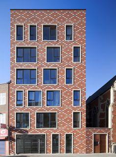 Brick masonry architecture, projects, research, and documention. Condominium Architecture, Brick Architecture, London Architecture, Architecture Details, Interior Architecture, Classical Architecture, Brick Masonry, Brick Facade, Home Building Design
