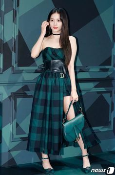 Jisoo attended Dior pop-up store opening event on Monday, August 2019 at the Galleria Department Store East store in Gangnam-gu, Seoul. Blackpink Fashion, Fashion Outfits, Fake Instagram, Black Pink ジス, Christian Dior Couture, Jennie Lisa, Blackpink Jisoo, Stage Outfits, Korean Girl Groups