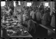 10 Photos That Show What Dinner Was Like During The Great Depression.