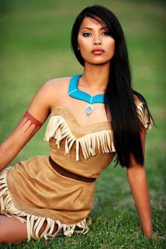 Pocahontas cosplay