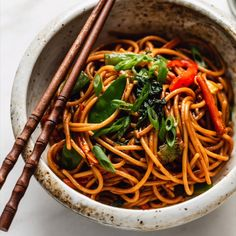 This Vegetable Lo Mein is loaded with fresh crunchy vegetables and thin noodles, covered in a delicious sauce! Easy to make, and comes together in under 30 minutes! Asian Recipes, Beef Recipes, Chicken Recipes, Cooking Recipes, Healthy Recipes, Vegetarian Recipes Videos, Vegan Dinner Recipes, Vegan Dinners, Vegetable Recipes