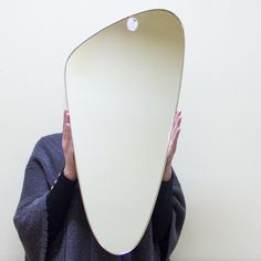 Nieodzowne przy zaczesywaniu grzywki do góry! #vintage #vintageshop #vintagefinds #mirror #design #midcentury