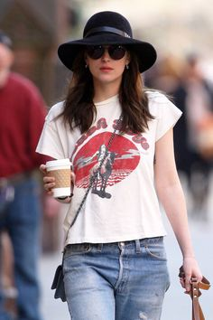 ce584b28c370c8 Dakota Johnson NYC Dakota Johnson Street Style, Dakota Style, Dakota  Jhonson, Dakota Mayi