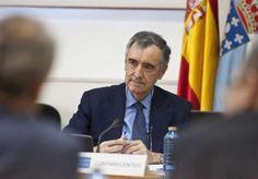 José María Castellano, ayer, en la comisión parlamentaria. / óscar corral