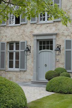 57 Ideas front door colors with tan house ideas exterior paint Grey Front Doors, Front Door Entrance, Front Door Colors, The Doors, House Shutter Colors, Garden Entrance, House Front Door, Entry Doors, Exterior House Colors