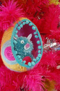 How to make a yarn wrapped egg diorama.