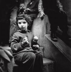 Rebelling against political propaganda, acclaimed photographer Antanas Sutkus embarked on a life-long journey to capture the everyday scenes around him. A landmark exhibition of his work, Nostalgia for bare feet, is now on show in Moscow