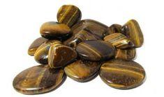 MESTERKRISTÁY NYUGTATÓ ENERGIA KONCENTRÁCIÓ ÖNBECSÜLÉSBÁTORSÁG Simple Blog, Thing 1, Stone Pendants, Natural Gemstones, Bronze, Drop, Shapes, Pearls, Crystals