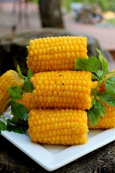 This recipe is for hot, buttery and spicy corn. Corn on the cob is covered with a spicy herb butter, wrapped in foil, and cooked on the grill. Dinner Side Dishes, Best Side Dishes, Side Dish Recipes, New Recipes, Favorite Recipes, Summer Recipes, Paleo Recipes, Dinner Recipes, Broccoli Recipes