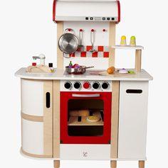 8 idees de cuisine en bois jouet