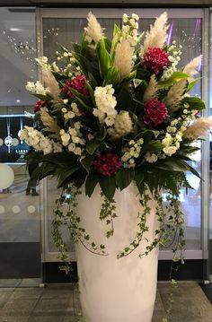 Trendy Garden Flower Arrangements Flowers – Garden Wedding … – World of Flowers Christmas Flower Arrangements, Artificial Flower Arrangements, Beautiful Flower Arrangements, Wedding Flower Arrangements, Flower Centerpieces, Artificial Flowers, Flower Decorations, Beautiful Flowers, Vase Arrangements