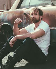 Another picture of my favorite wrestler, Dean Ambrose! Roman Reigns Dean Ambrose, Wwe Dean Ambrose, Wwe Raw And Smackdown, World Of Warriors, The Shield Wwe, Wrestling Wwe, Seth Rollins, Wwe Wrestlers, Professional Wrestling