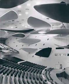 Alexander Calder,nubes.Aula Magna, University of Caracas.