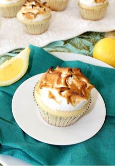 Lemon Meringue Cupcakes 2 |  #cupcakes #Lemon #Meringue