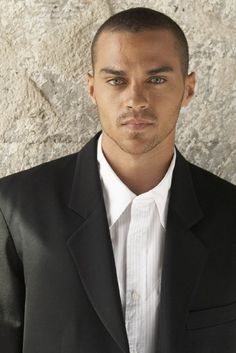 Jessie Williams!! OMG!! Super handsome..he is the only reason I watch Greys Anatomy!