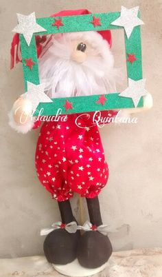 Papâ noel en pose Christmas Sewing, Christmas Crafts, Christmas Decorations, Xmas, Christmas Ornaments, Holiday Decor, Doll Toys, Dolls, Toy Craft