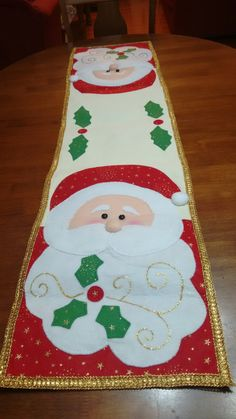 Christmas Wood Crafts, Christmas Decorations, Holiday Decor, Felt Crafts, Diy And Crafts, Christmas Patchwork, Snowman Quilt, Winter Quilts, Xmas