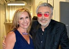 Michelle Hillery with Mr. Reynolds backstage at the Student Showcase of Films Burt Reynolds, Backstage, Round Sunglasses, Films, Student, Fashion, Movies, Moda, Film