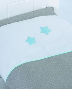 Happy Dreams quilt cpvers available at babytown.com.au