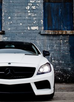 White on Black, Mercedes CLS 63 AMG