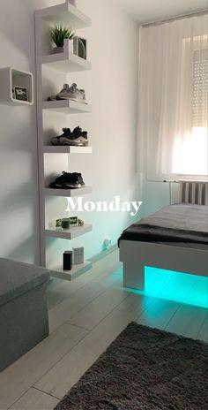 Bedroom Setup, Apartment Bedroom Decor, Room Design Bedroom, Room Ideas Bedroom, Home Room Design, Hypebeast Room, Pinterest Room Decor, Teen Room Decor, Aesthetic Room Decor