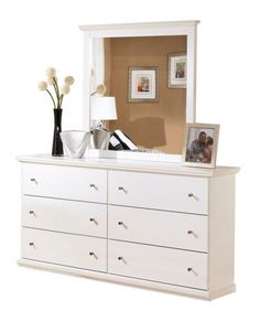 Bostwick Shoals Cottage White Wood Dresser And Mirror