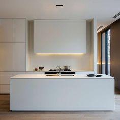Simple but beautiful Maximum Taxos matt kitchen by @carrdesigngroup at #EightMurphy South Yarra #MaximumAustralia