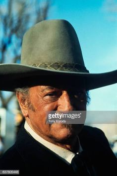 World's Best John Wayne Stock Pictures, Photos, and Images - Getty Images Sands Of Iwo Jima, Westerns, The Quiet Man, John Wayne Movies, Angie Dickinson, Star Wars, John Ford, Actor John, Fotografia