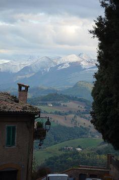 Camerino - Mc - Italia veduta sulle montagne circostanti... con neve compresa...