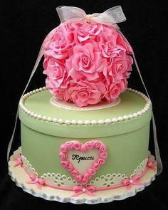 """4,694 Gostos, 4 Comentários - #No.1 Nigerian Cake Blog (@cakebakeoffng) no Instagram: """"Spotted!! Green & Pink Cake Design Tag the Baker!! #Cakebakeoffng #CboCakes #InstaLove…"""""""