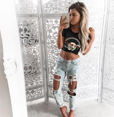 "KELSEY ❂ FLOYD on Instagram: ""Casual Monday top and jeans from @wildeheartsboutique #wildeheartsboutique {www.wildehearts.com}"""