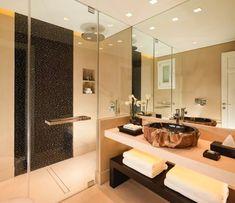 Se stare ristrutturando il vostro bagno la resina può venire in vostro aiuto. Semplice, comoda e pratica sia da pulire che igienizzare. Una ristrutturazione lungimirante