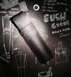 Gush is the new black ✒pen holder