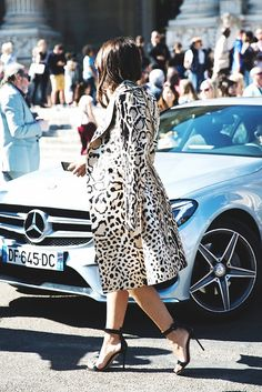 Large spotted leopard print coat with black sandals. // #StreetStyle