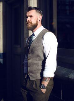 Dicas importantes para você que quer ter uma barba de responsa.