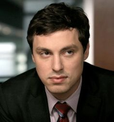 John Francis Daley as Sweets Cast Of Bones, Dr Bones, Bones Tv Show, Bones Sweets, Lance Sweets, Gorgeous Men, Beautiful People, John Francis Daley, Booth And Bones